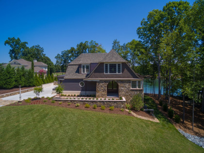 Andrew Roby Signature Home:  Lake Front Living